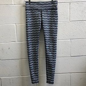 Alo black and white legging, sz s, 61852